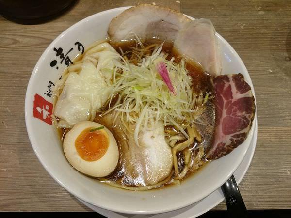四重奏スペシャル(醤油)拉麵