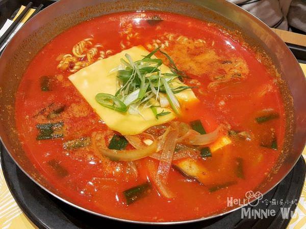 [林口三井outlet美食]韓食拌樂bibim(韓國料理ビビム),人氣商品起司拉麵豆腐煲香辣好吃