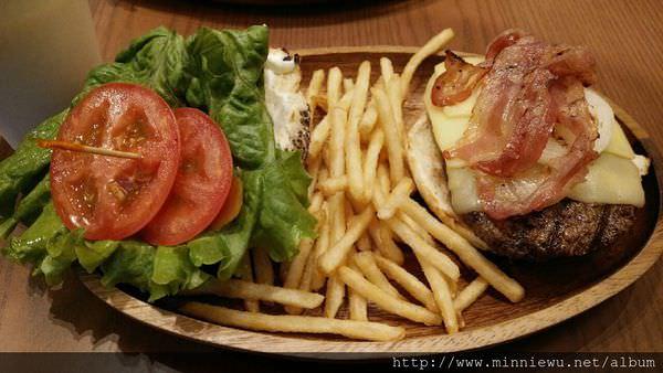 Kua Aina夏威夷培根莫扎瑞拉漢堡